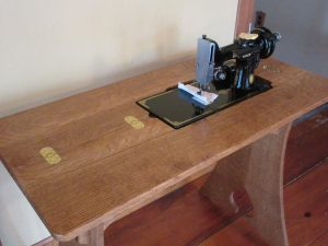 Sewing table 3